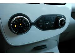 Renault-ZOE-11
