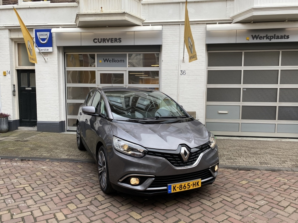 Renault-Scénic-thumb